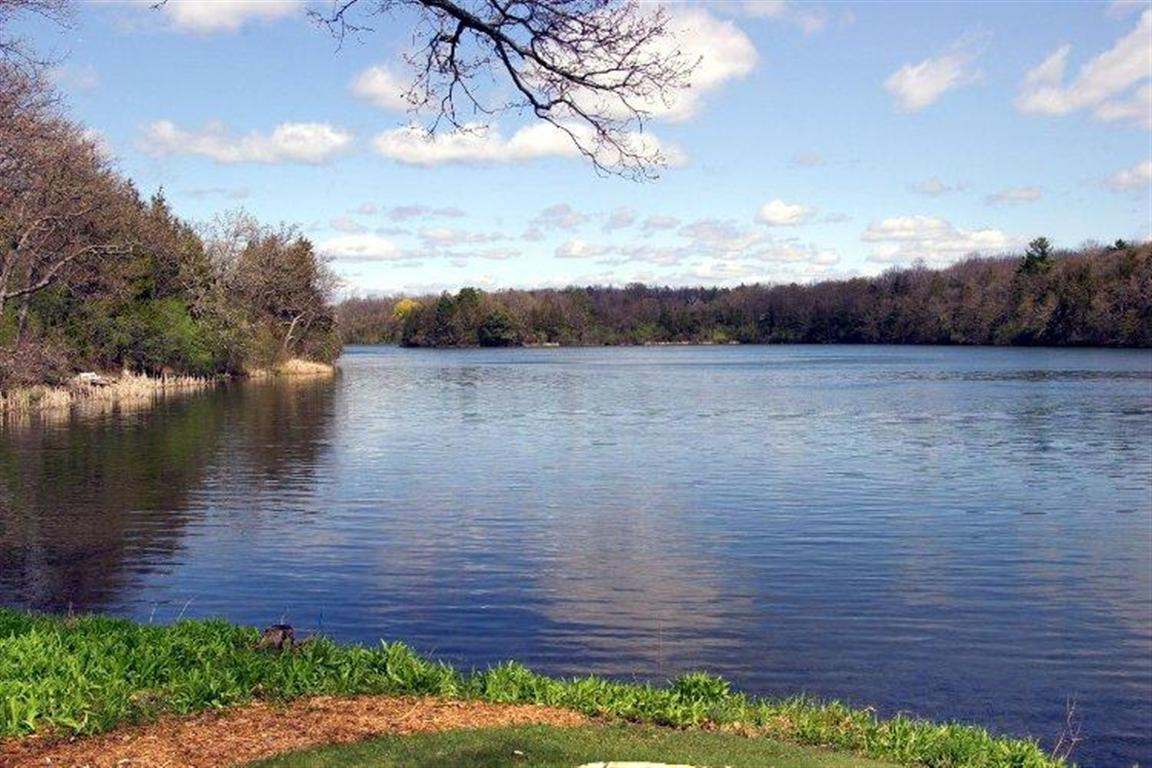 Living On A Lake : Lake country living  Living Lake Country in Wisconsin ...